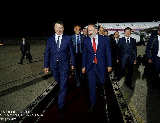 Никол Пашинян с рабочим визитом прибыл в Кыргызстан