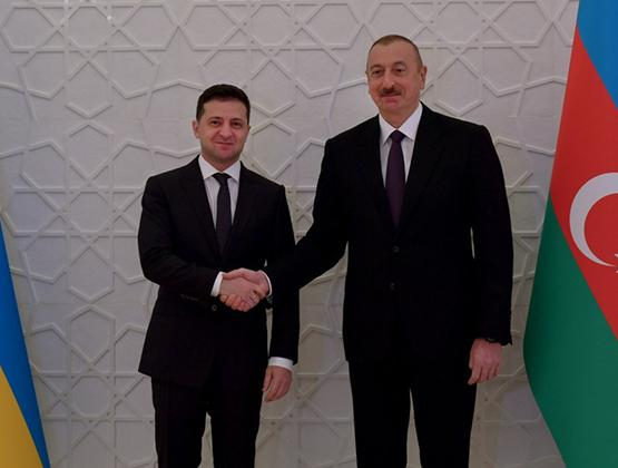 Азербайджанская кормушка протянула руки к Киеву