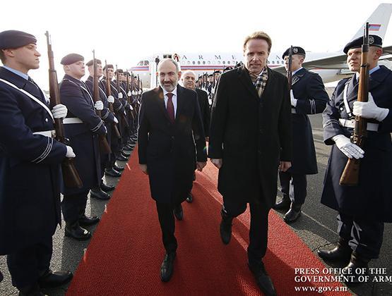 Делегация во главе с Николом Пашиняном прибыла в Берлин