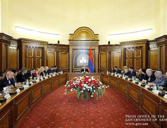 Премьер-министр Армении послам стран ОБСЕ представил подробности проведения референдума