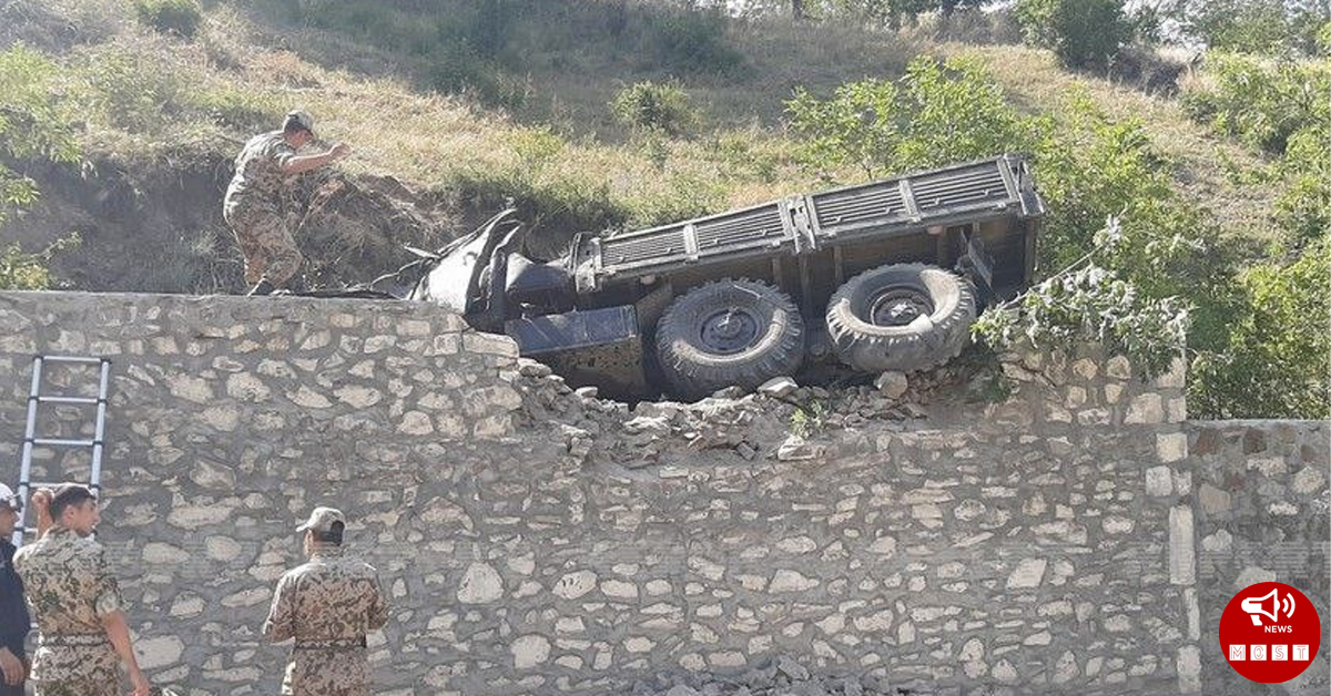 Ադրբեդջանական ուրալը շուռ է եկել և 15 զինծառայող տուժել են