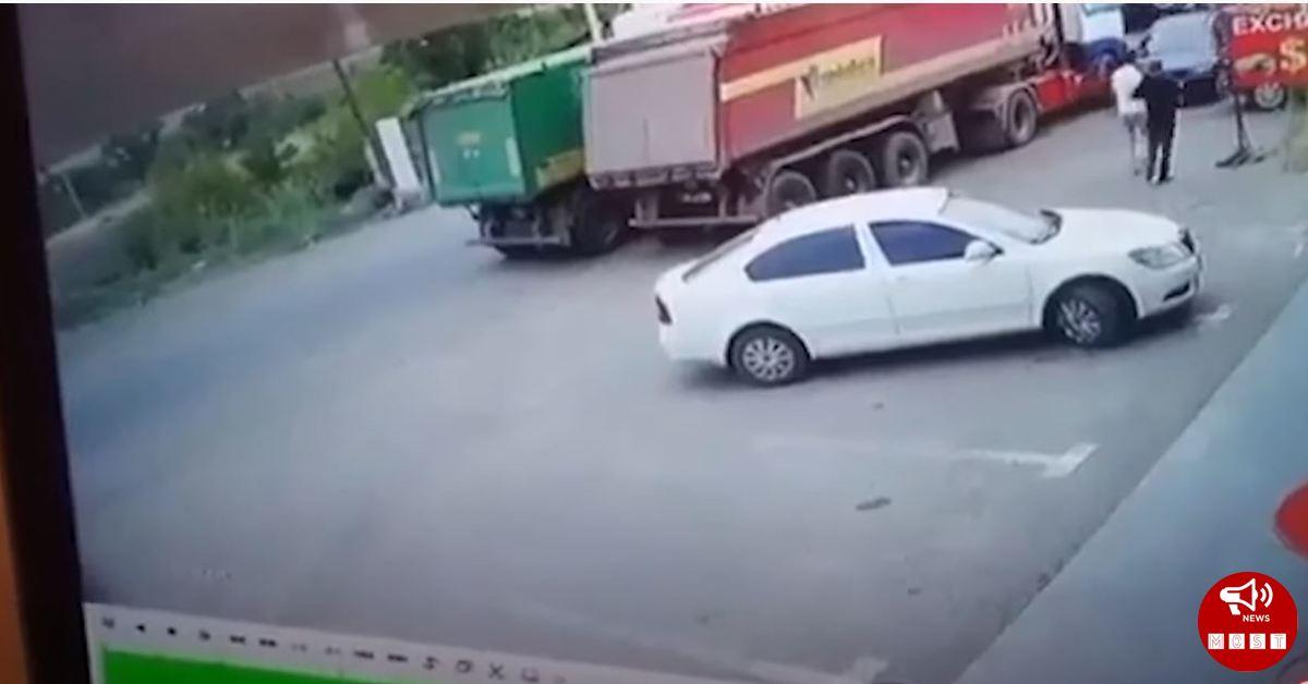 Հայաստանում մեքենան պայթում է, վարորդը մահանում է (տեսանյութ)